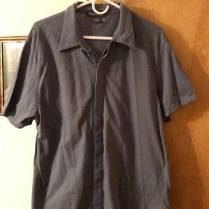 Short sleeve buttoned down collar shirt